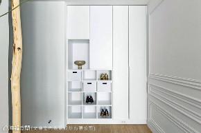 四居 新古典 玄关图片来自幸福空间在125平五彩法式的分享