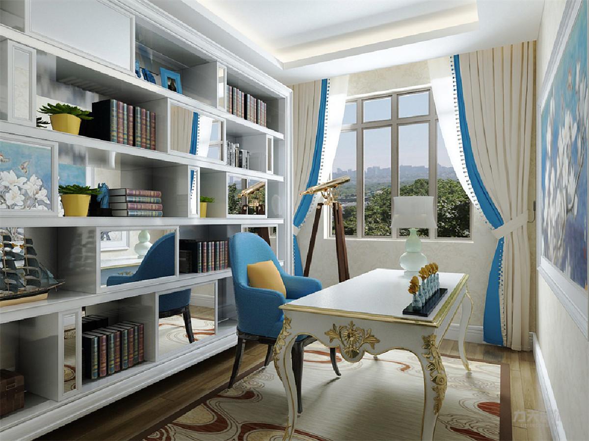 卧室和书房等空间选择了木地板,主卧室做了简单的吊顶,有个小阳台,我做了一个榻榻米。