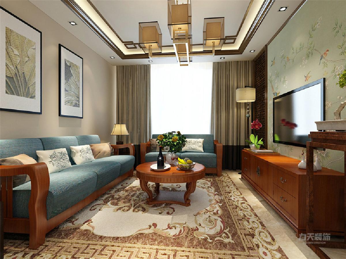 沙发背景墙只是简单的挂着中式元素的挂画,整个空间烘托出浓郁的中国式风情