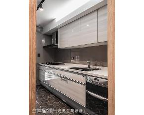 二居 混搭 小户型 厨房图片来自幸福空间在50平老屋翻身 2房1厅木质小宅的分享