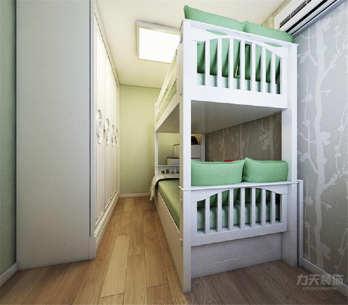 儿童房以简洁为主,选择的浅色系与室内的主体颜色做呼应形成对比