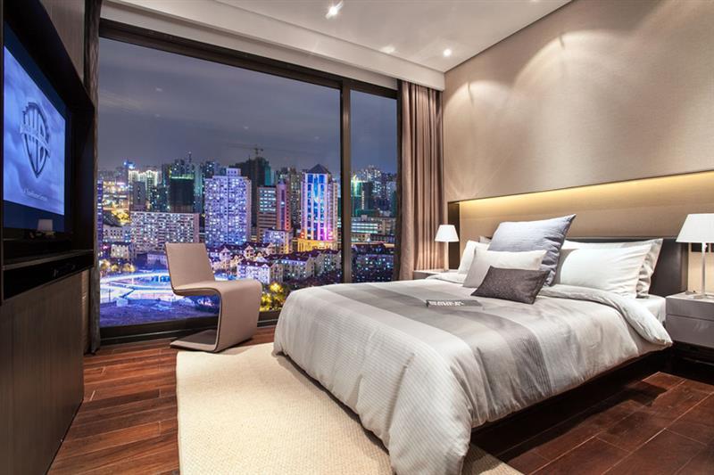 昂世半山观 现代 简约 四室 卧室图片来自成都二十四城装饰公司在轻奢华跃层现代风格案例的分享