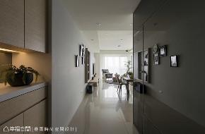 装修设计 居家风格 设计风格 北欧风格 玄关图片来自幸福空间在102平,好收好保养的轻北欧宅!的分享