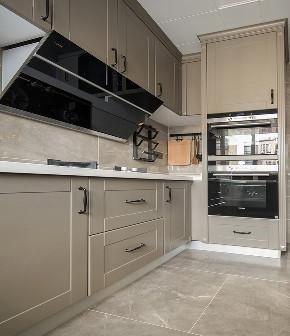 厨房图片来自家装大管家在清爽与慎重 135平摩登美式空间的分享