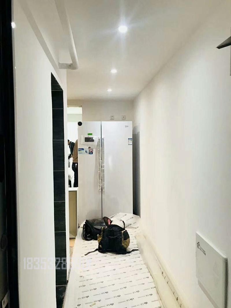 长沙路小区 老房翻新 青岛装修 实创装饰 玄关图片来自实创装饰集团青岛公司在长沙路老房翻新 80平户型的分享