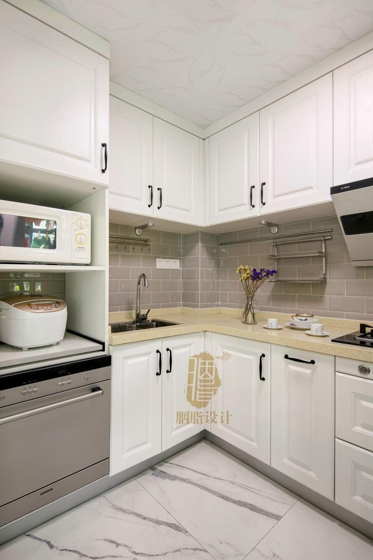 智能进门米厨房调,摆放左侧消毒高柜,采用设计白色锁设计图图片