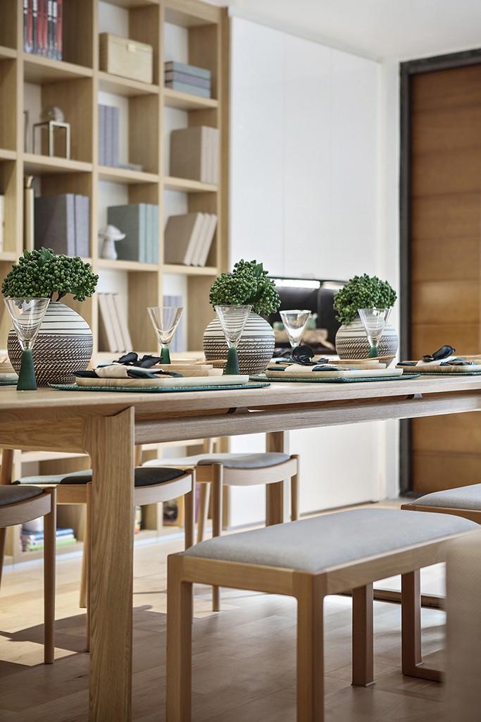 浦江华侨城 别墅装修 现代风格 腾龙设计 餐厅图片来自孔继民在浦江华侨城别墅项目装修设计的分享