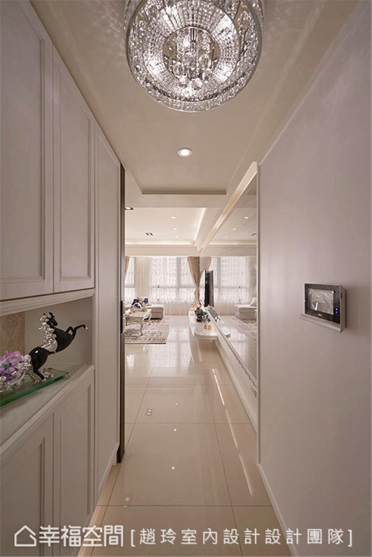 装修设计 三居 白领 旧房改造 收纳 80后 小资 玄关图片来自幸福空间在132平旧藏换新装邂逅现代新古典的分享