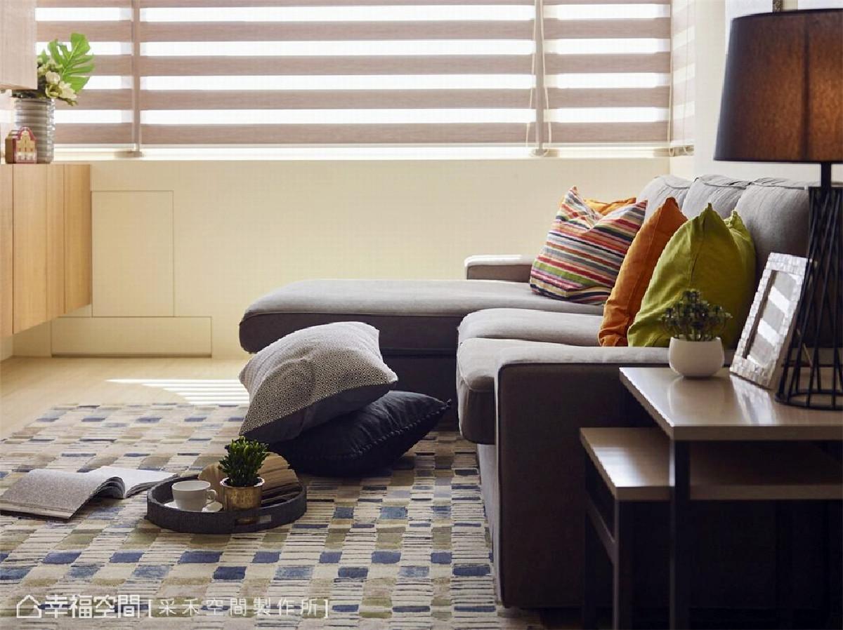 采光机能 本案拥有采光极佳的优势,大面开窗将日光无遗引入,让自然光恣意贯穿挥洒,成就明朗通透的居家。
