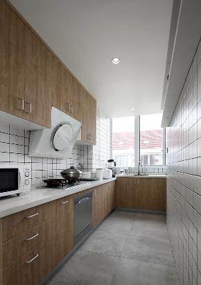 简约 四居 厨房图片来自言白设计在跃层住宅的分享