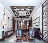 传统的中式纹样,经典的博古架造型,极具垂感的吊灯,在凸显空间雅致韵味的同时,舍弃了繁复的装饰。