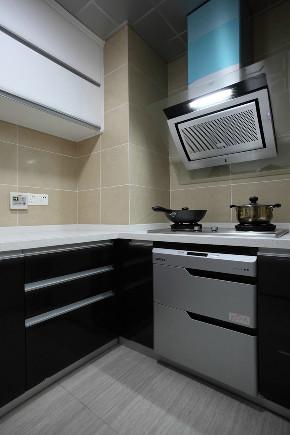 厨房图片来自装家美在中正睿城81平米黑白灰风格的分享