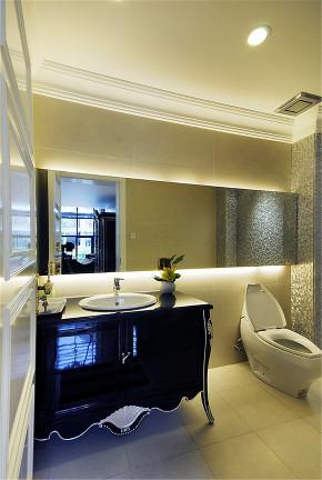 碧云别墅 别墅装修 现代风格 腾龙设计 卫生间图片来自腾龙设计在上海碧云别墅项目现代风格设计的分享
