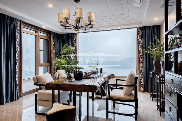 原露台扩进室内设置成品茶区域,在静逸雅致的茶区中平和身心,以茶会友,品味生活中的闲时情趣!