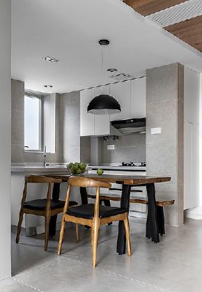 餐厅图片来自家装大管家在107平北欧简约3居 舒适惬意清新的分享