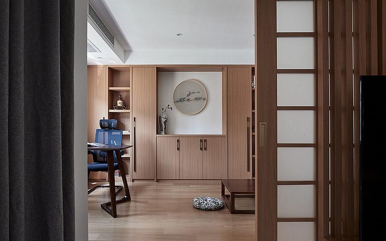 书房图片来自家装大管家在钟爱木质 120平日式混搭时尚3居的分享