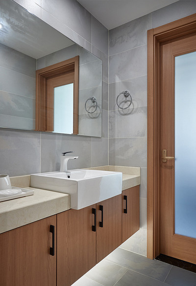 卫生间图片来自家装大管家在钟爱木质 120平日式混搭时尚3居的分享