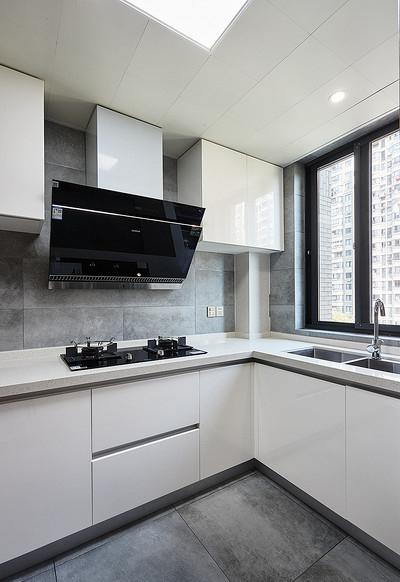 厨房图片来自家装大管家在钟爱木质 120平日式混搭时尚3居的分享