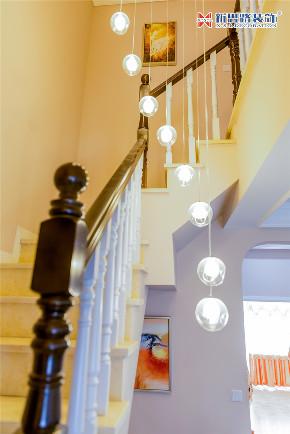 简美风格 同景国际城 楼梯图片来自重庆新思路装饰在重庆同景国际城雍华府装修效果的分享