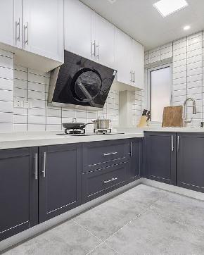 厨房图片来自家装大管家在清新明亮 95平现代北欧时尚空间的分享