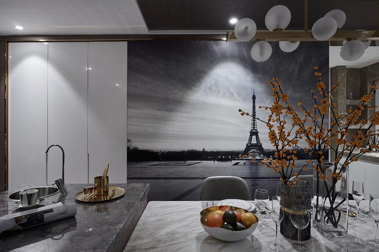 餐厅图片来自家装大管家在110平现代时尚3居 实用又顺眼的分享