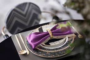 现代 紫色 混搭 高级灰 全案设计 品质家装 餐厅图片来自鹏友百年装饰在高级灰+紫色,成就不凡的高雅格调的分享