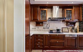 厨房图片来自家装大管家在158平美式低奢3居 实用艺术并存的分享