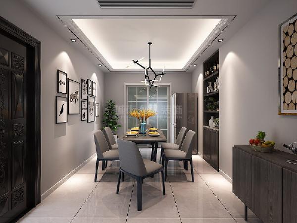 餐厅安静的就餐氛围,通过灯光的点缀,可以感受到静静的享受一顿美餐的轻松。