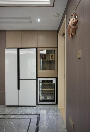餐厅图片来自家装大管家在清新不脱俗 108平现代时尚3居室的分享