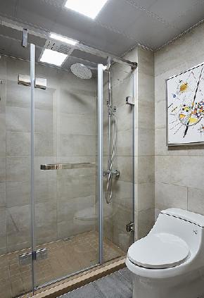 卫生间图片来自家装大管家在清新不脱俗 108平现代时尚3居室的分享