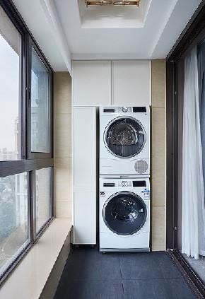 阳台图片来自家装大管家在清新不脱俗 108平现代时尚3居室的分享