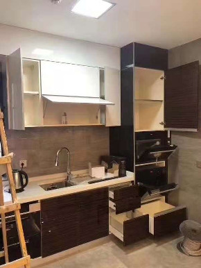 港式 二居 新房装修 中层 厨房图片来自乐粉_20181003112538352在贵阳龙头港式装修效果图的分享