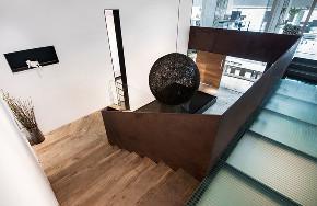 楼梯图片来自XIN辛视设计在辛军|辛视设计办公室的分享