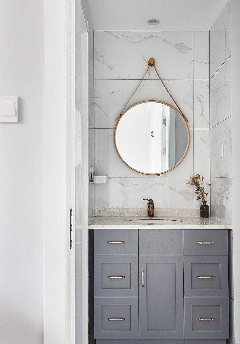 卫生间图片来自家装大管家在向往的生活 89平美式轻奢紧凑居的分享