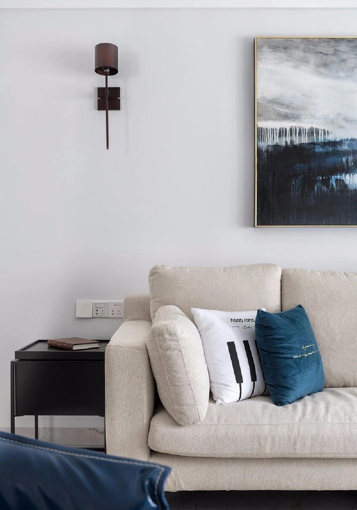 整体空间通过家具软装,展现出高级感的魅力