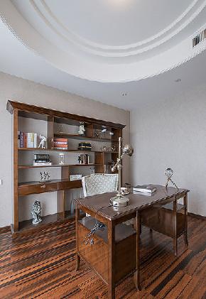 阳台图片来自家装大管家在唯美生活 156平欧式时尚雅致3居的分享