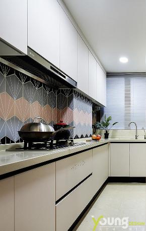 三居 美式 厨房图片来自漾设计在Young新作 | 《蕴情》现代美式的分享