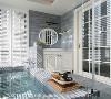 沐浴时光 以日式温泉为灵感打造出的温泉池,为屋主洗去整天的疲倦,充满心旷神怡的悠闲风情。