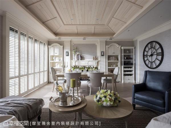 玩味光影 摩登雅舍室内装修设计以扇叶落地窗引领日光入屋,光影自然汇流在屋内每一个角落,留下开阔视野。