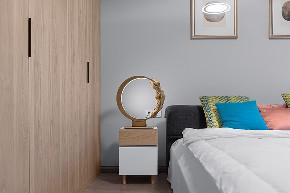 简约 混搭 三居 收纳 旧房改造 小资 卧室图片来自林上淮·圣奇凯尚装饰在爱家有故事·承载的分享