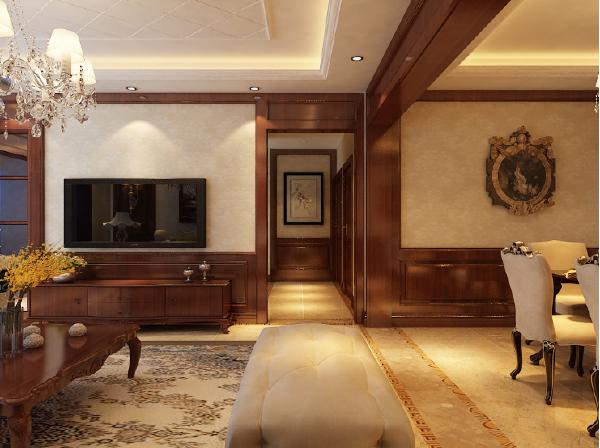 整个空间采用美式元素和设计手法表现,大面积的深色木制作以及家具搭配,沉稳大气,也说明了业主对晚年的生活品质的追求。