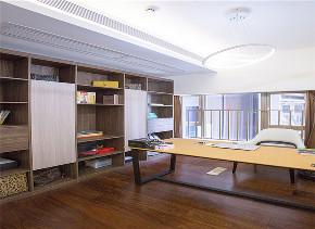 书房图片来自深圳浩天装饰在110m²华润城,告别随波逐流!的分享
