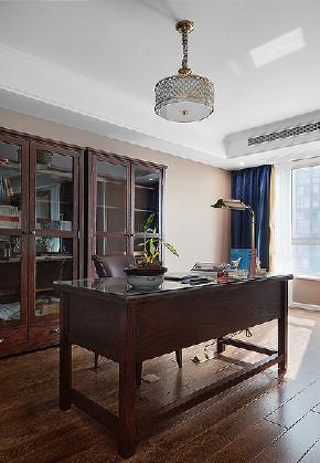 书房图片来自家装大管家在轻盈典雅 109平美式精致舒适3居的分享