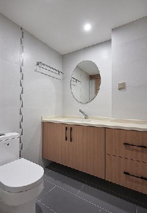 卫生间图片来自家装大管家在140平雅致北欧3居 专享静谧时光的分享