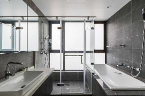 卫生间图片来自家装大管家在100平现代时尚3居 雅致不失活泼的分享