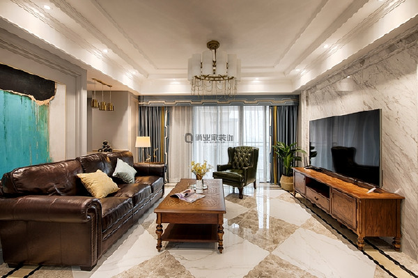 1、客厅装修:客厅线条清晰对称,设计师在复杂中开辟纯粹,让大的清爽范围下暗藏细腻的美好,轻奢时尚。