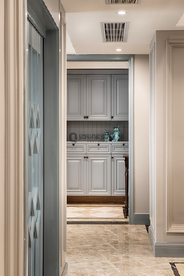 6、玄关装修:入户玄关的蓝灰色治愈了视觉神经,每次归家,每次出发都将是有一段美的感受。