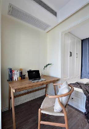 书房图片来自家装大管家在89平北欧风情居 充满跳跃生机感的分享
