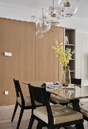 餐厅图片来自家装大管家在106平现代素雅3居 营造舒适生活的分享