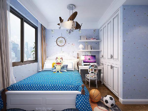 儿童房的装修利用蓝色进行点缀,带来活泼可爱的卡通空间。